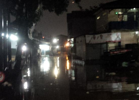 Pasar Buncit Banjir (Foto: Arie Dwi)