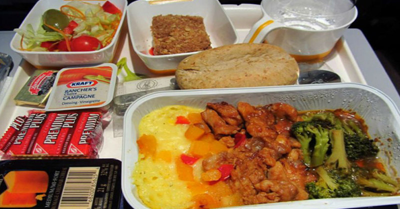 https: img.okezone.com content 2016 11 22 298 1548341 chef-ternama-bocorkan-rahasia-membuat-hidangan-dalam-penerbangan-menjadi-lezat-ZJGUgzXalA.jpg