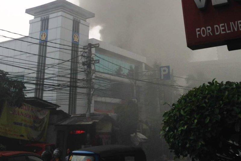Kebakaran di Pasar Baru Jakpus, 19 Unit Damkar Diterjunkan ...