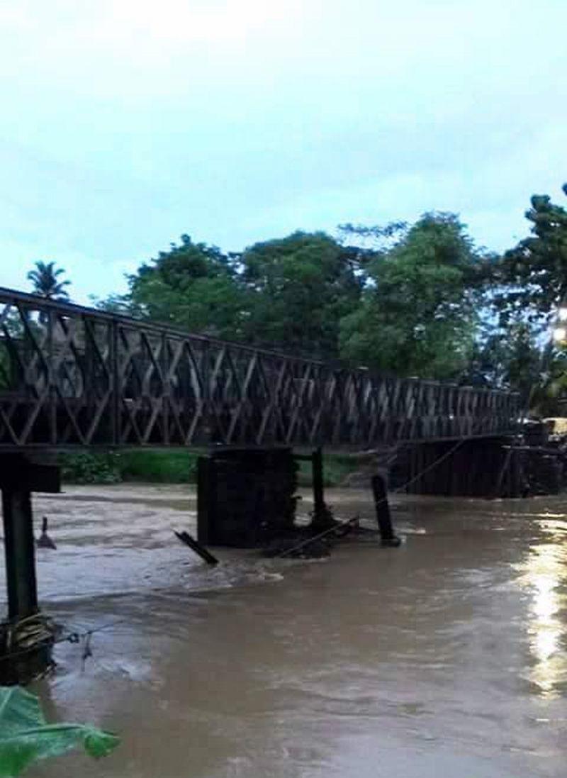 https: img.okezone.com content 2016 11 24 525 1549964 baru-sehari-dibuka-pilar-penyangga-jembatan-bailey-ambruk-IepCjaZvMd.jpg