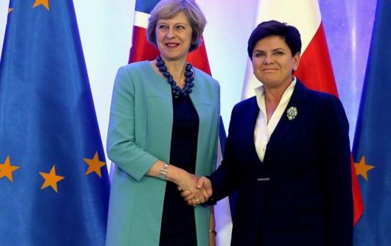 https: img.okezone.com content 2016 11 28 18 1552879 inggris-dapat-dukungan-dari-polandia-terkait-brexit-TIsXdw41Rt.jpg