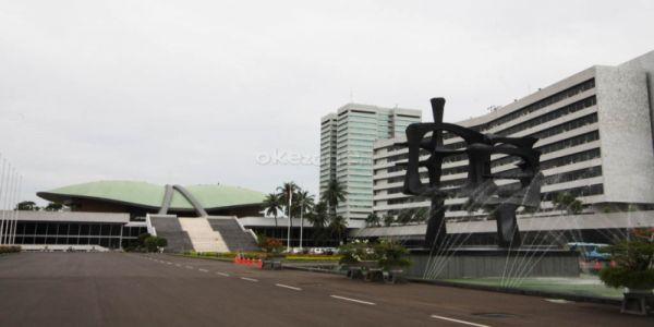 DPR Minta Pemerintah Tindak Tegas Pengibar Bendera China di Ternate