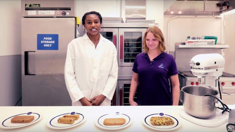 NASA Kembangkan Makanan Batangan untuk Misi Mars