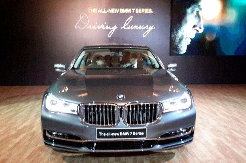 BMW Seri 7 (Foto: Okezone)