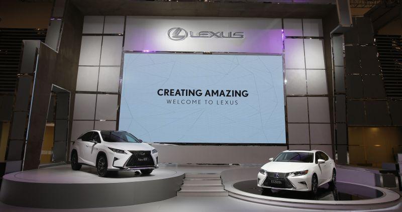 Ilustrasi jajaran model Lexus di pameran GIIAS 2016 (Okezone)