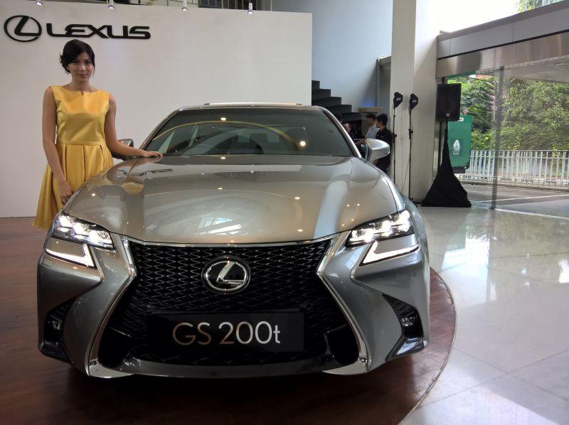 Lexus masih percaya diri menjual mobil sedan di Indonesia (Okezone)