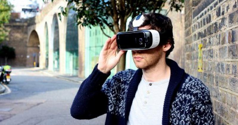 Teknologi Virtual Reality Dilengkapi Fitur Eye-Tracking