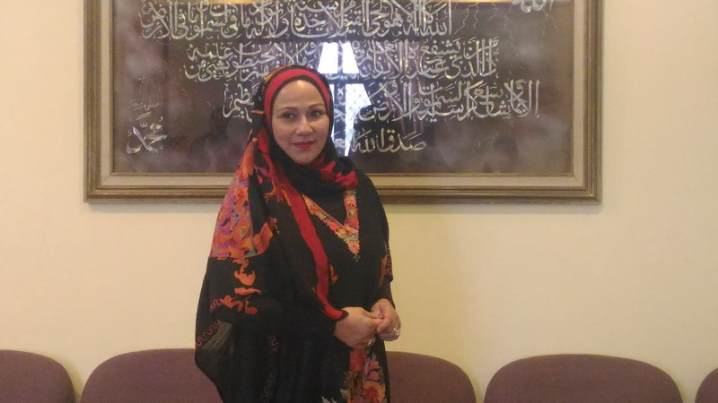 https: img.okezone.com content 2016 12 01 33 1556305 camelia-malik-jadi-relawan-aksi-damai-212-bgyR9BoEQd.jpg