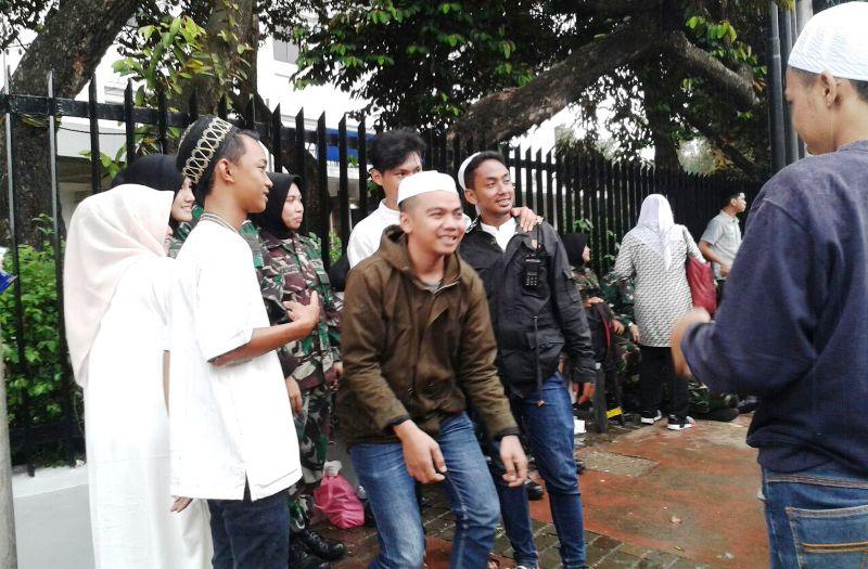 TNI Berhijab jadi primadona (foto: Riski/Okezone)