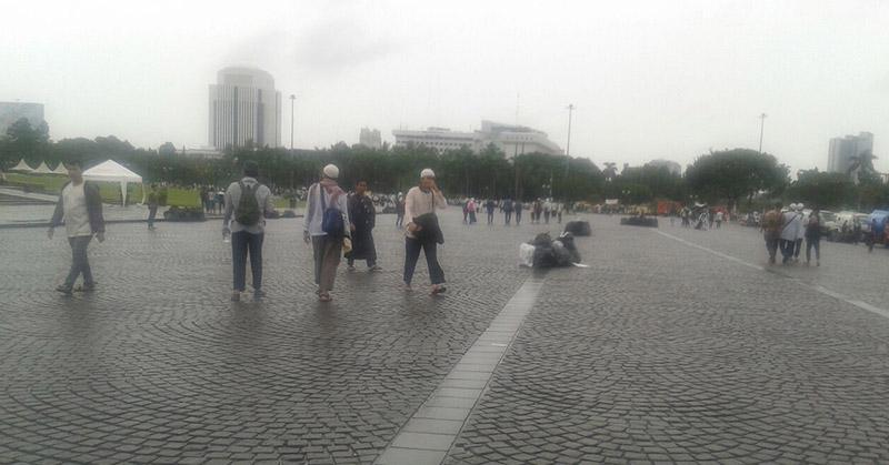Kondisi Monas yang bersih usai aksi Super-Damai 212. (Foto: Riski Bayuni/Okezone)