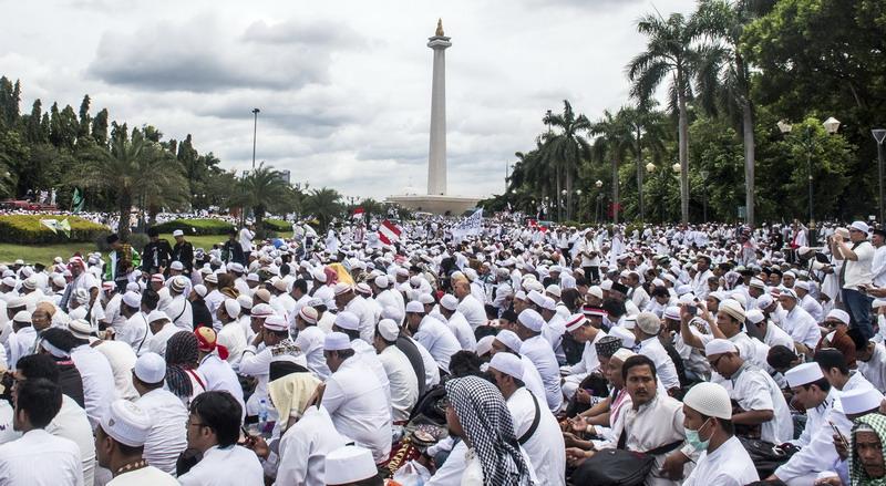 Aksi damai Bela Islam III di Monas (foto: Antara)