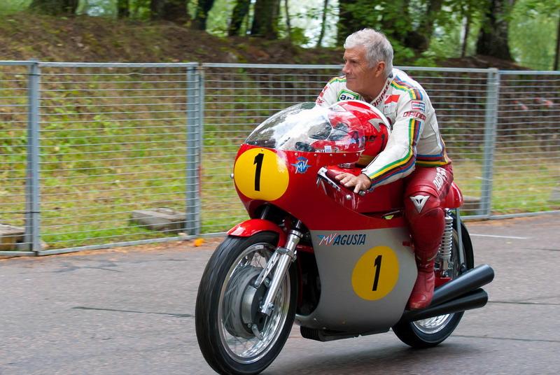 Hasil gambar untuk Giacomo Agostini