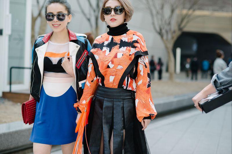 https: img.okezone.com content 2016 12 07 194 1560902 siapkan-bibit-perancang-muda-dengan-skill-internasional-jfw-gandeng-pelaku-industri-fashion-korea-v4oB45RgSt.jpg