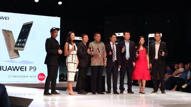 https: img.okezone.com content 2016 12 08 57 1562073 saingi-lgv20-huawei-p9-meluncur-di-indonesia-la92fFo7w8.jpg