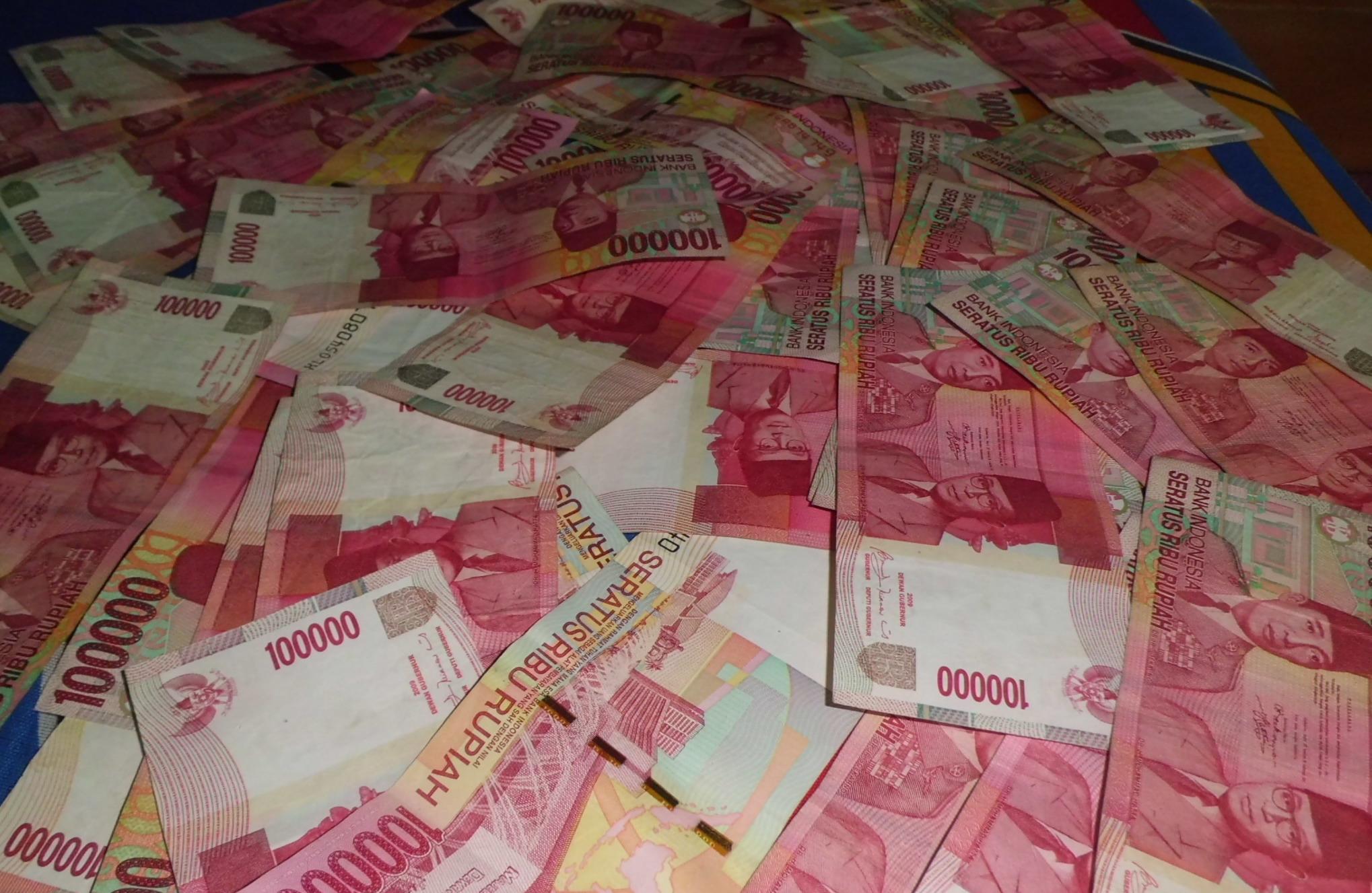 Polisi Sita Uang Palsu Senilai Rp400 Miliar dari Tiga Tersangka