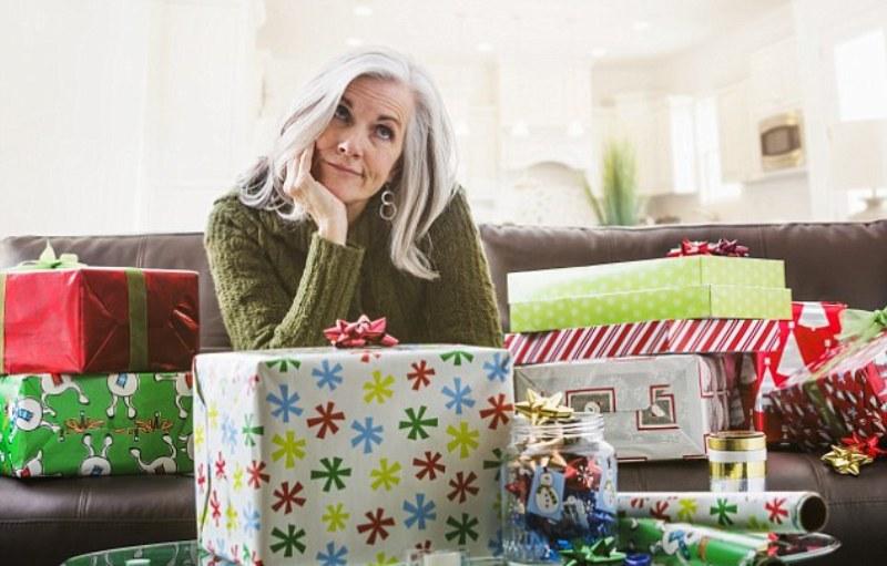 Ilustrasi. Ibu kecewa pada putranya karena tidak diberi kartu Natal. (Foto: Getty Images)