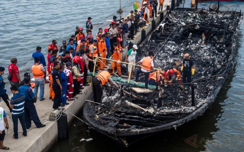 https: img.okezone.com content 2017 01 03 406 1582243 belajar-dari-musibah-km-zahro-ini-tips-penyelamatan-diri-saat-terjadi-kecelakaan-kapal-laut-vNI1CnqZHQ.jpg