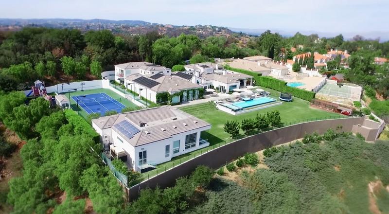 10 Real Estate Selebriti yang Jadi Perbincangan di 2016