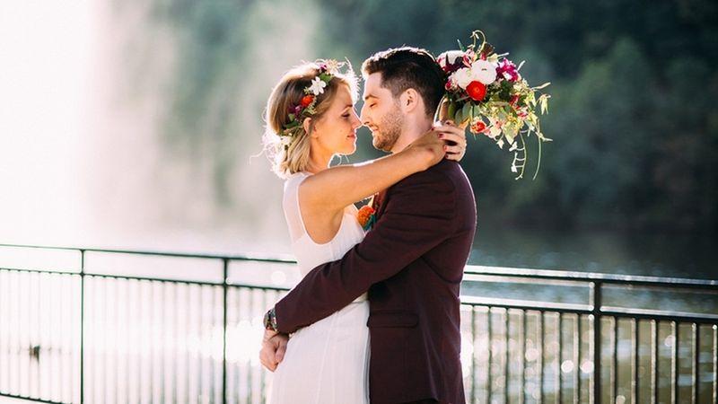 https: img.okezone.com content 2017 01 05 194 1583920 3-kesalahan-yang-harus-dihindari-pengantin-pria-dalam-persiapan-pernikahan-OkYRqVQqiN.jpg
