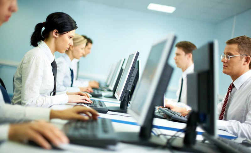 Hukum Baru di Prancis 'Melarang' Karyawan Membuka E-Mail Usai Jam Kerja :  Okezone Nasional