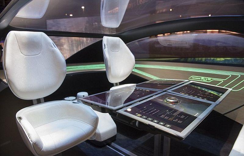 begini penampakan interior mobil masa depan versi panasonic okezone news. Black Bedroom Furniture Sets. Home Design Ideas