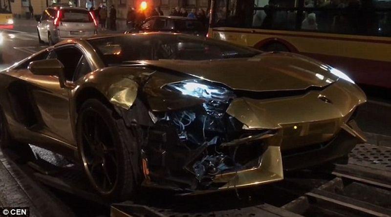 Lamborghini Aventador ditabrak Honda Accord (CEN)