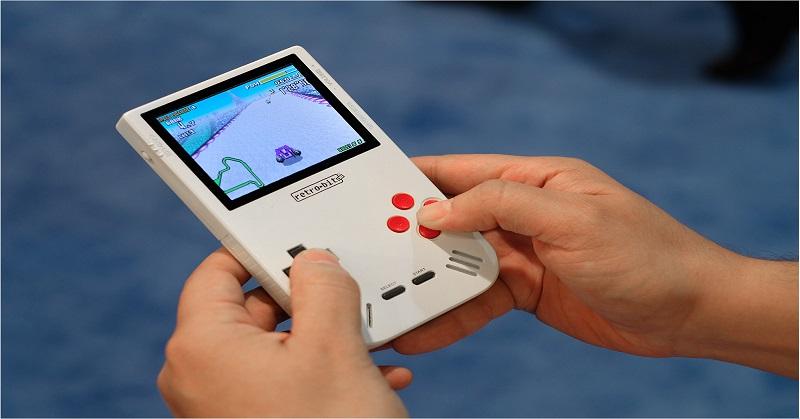 Super-Retro Boy, Konsol yang Mirip Game Boy