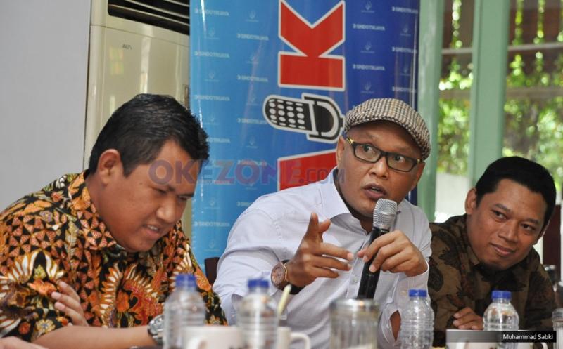 Anggota Komisi I DPR RI Sukamta (tengah) dalam diskusi Polemik Sindotrijaya, Jakarta (Sabki/Okezone)