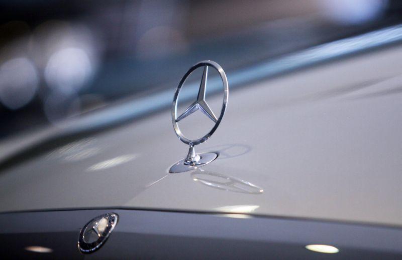 Mercedes Benz ungguli BMW di pasar mobil premium dunia berdasarkan penjualan 2016 (Foto: Okezone)
