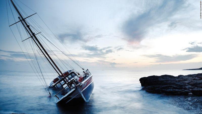 https: img.okezone.com content 2017 01 10 406 1587508 tips-penyelamatan-diri-ketika-kapal-tenggelam-IBX2QbscrY.jpg