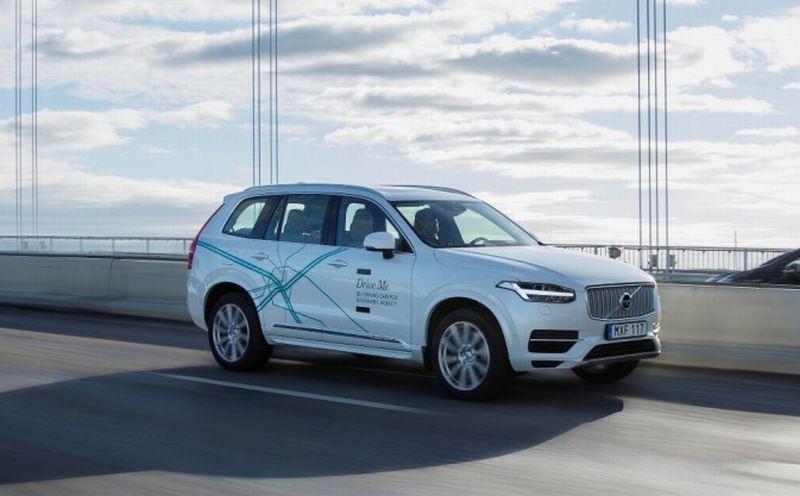 100 Keluarga Terpilih Bisa Jajal Mobil Tanpa Sopir Volvo
