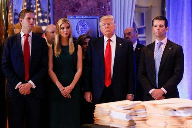 Dari kiri ke kanan: Eric, Ivanka, Donald Trump dan Donald Junior. (Foto: Reuters)
