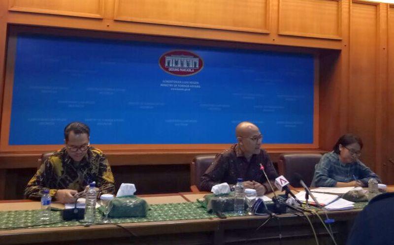 Juru Bicara Kemlu Arrmanatha Nasir dalam Press Briefing rutin Kemlu. (Foto: Rufki Ade V/Okezone)