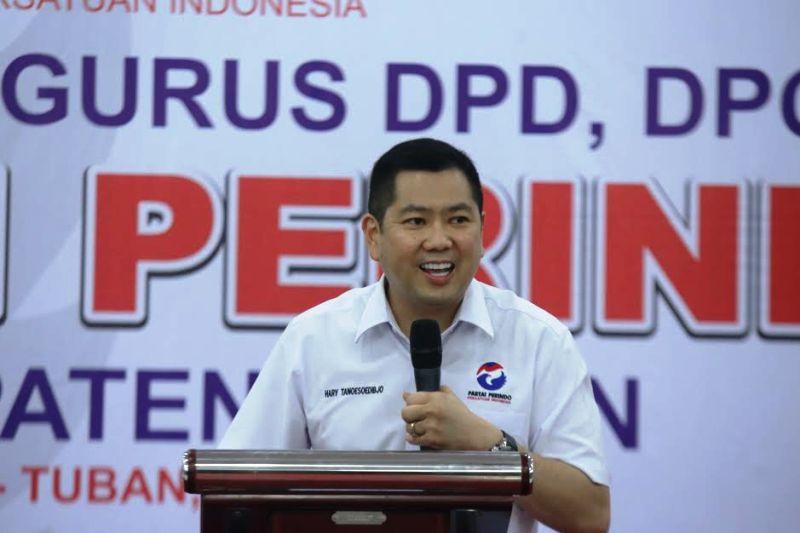 Hary Tanoe saat melantik DPRt Tuban (Foto: Dok. Perindo)