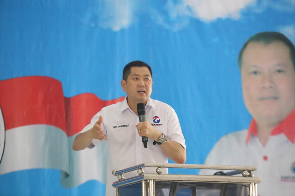 Hary Tanoe lantik kader DPRt di Lamongan (Foto: Dok. Perindo)