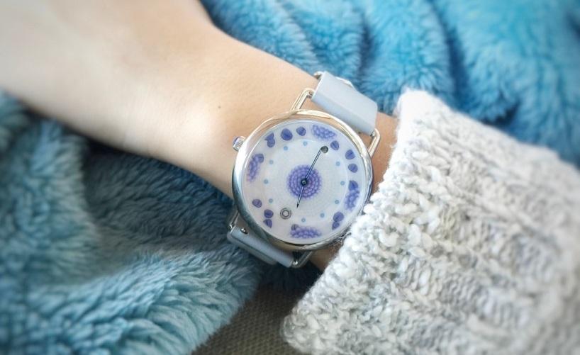 Terbuat dari Porselen, Baterai Smartwatch Ini Tak Perlu Diisi Selama Setahun
