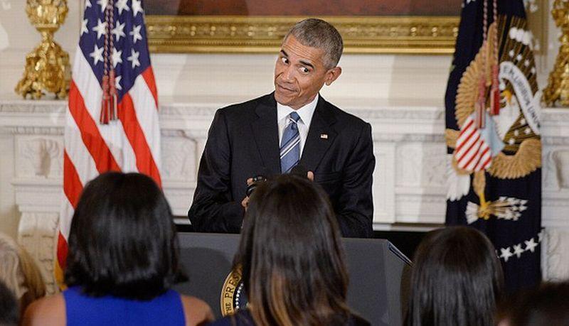 Presiden Barack Obama Berikan Tatapan Sayang Pada Putri Bungsunya, Sasha. (Foto: Media Pucnh/AKM-GSI)