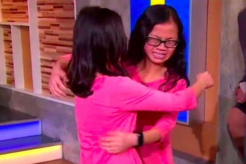 Audrey dan Gracie yang tidak kuat menahan harunya ketika bertemu kembali (Foto: ABC 7)