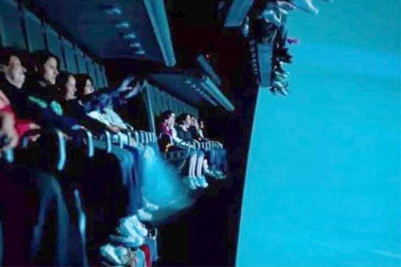 Inilah wahana Soaring Over the Horizon yang mengalami gangguan di Disneyland Shanghai (Foto: Leo Hu/The Star)