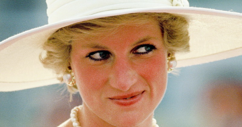 https: img.okezone.com content 2017 01 13 33 1590685 penghormatan-pangeran-william-harry-di-20-tahun-wafatnya-putri-diana-C0E7jGM0qA.jpg