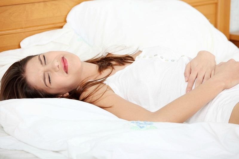 https: img.okezone.com content 2017 01 13 481 1590784 tips-mengatasi-sakit-perut-ketika-bangun-tidur-di-pagi-hari-gvT8CPB5CY.jpg