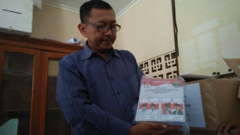 473 Ribu Surat Suara Pilgub Banten Tiba di KPU Kota Serang