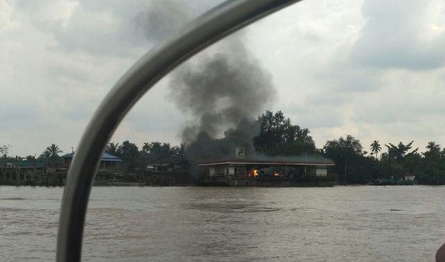 SPBB Apung Meledak (Foto: Banda Haruddin)