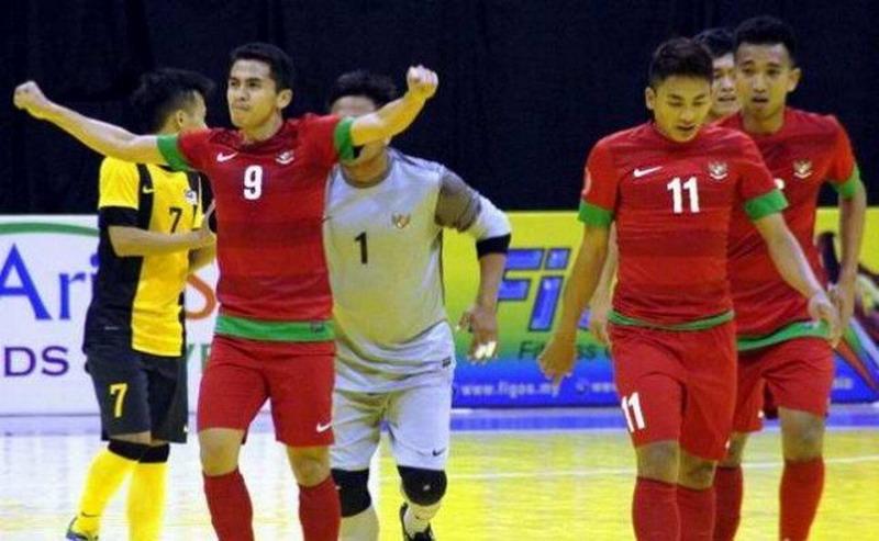 https: img.okezone.com content 2017 01 23 51 1598590 andri-kustiawan-buka-keunggulan-indonesia-atas-malaysia-di-aff-futsal-championship-2016-MzVaT4fXID.jpg