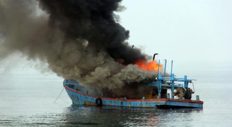 3 Kapal Ikan di Benoa Ludes Terbakar