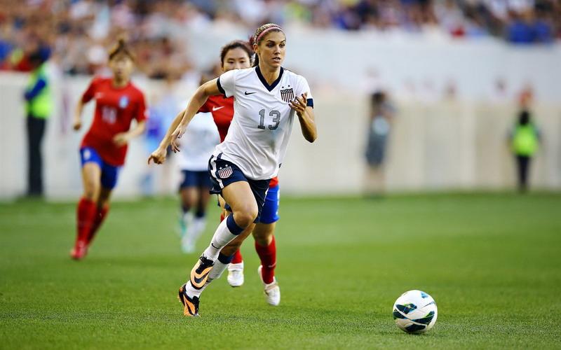 https: img.okezone.com content 2017 01 26 481 1601467 sepakbola-olahraga-tepat-turunkan-tekanan-darah-tinggi-pada-wanita-Daoh4JU1lg.jpg