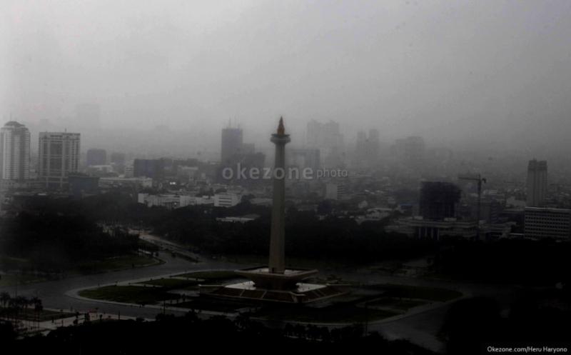 Jakarta dan Sekitarnya Hujan, Hati-Hati Banjir dan Pohon Tumbang