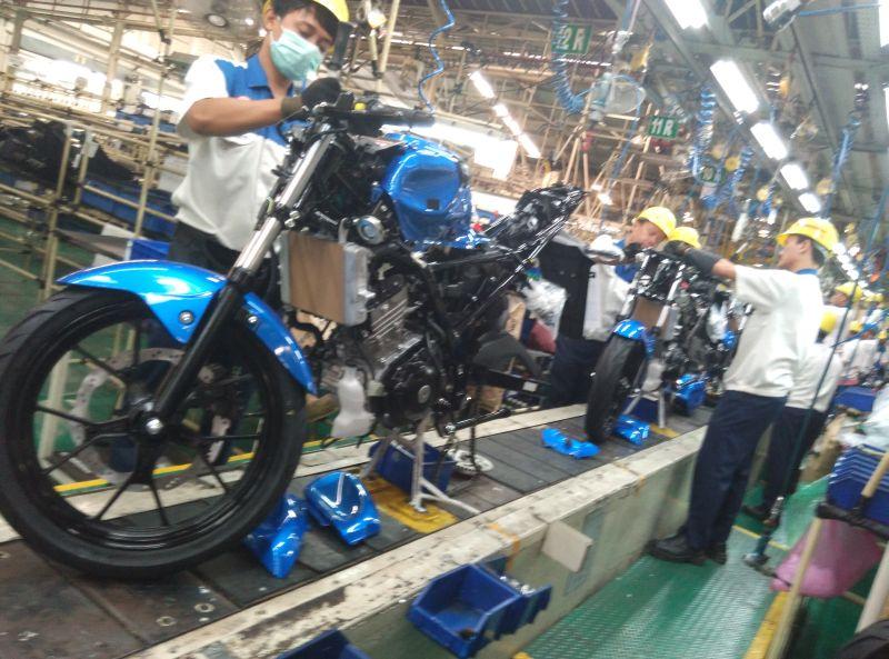 Melihat Dari Dekat Produksi Motor Suzuki Gsx R150 Gsx S150 Di