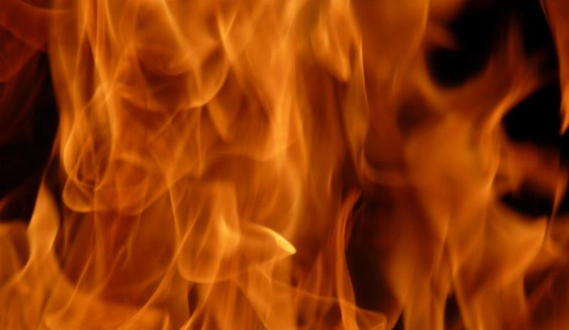 Ilustrasi. Dibakar hidup-hidup. (Foto: Shutterstock)