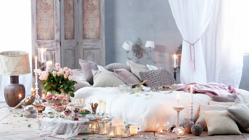 Inspirasi dekor kamar cantik untuk malam valentine for Dekor kamar hotel
